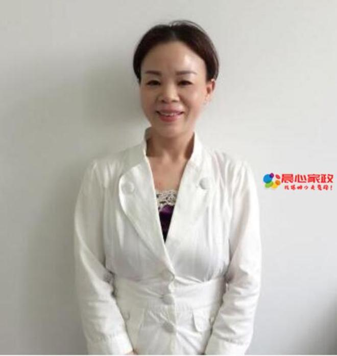 上海育婴师,彭阿姨