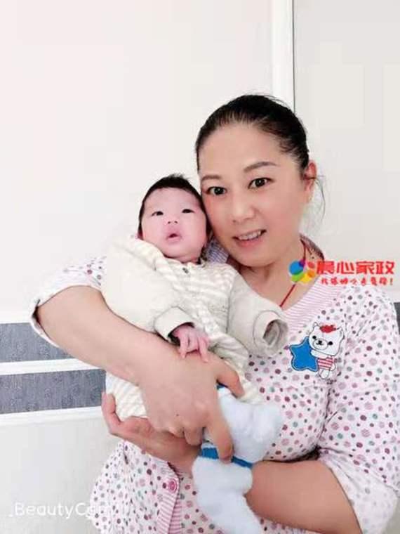 上海金牌月嫂,李阿姨