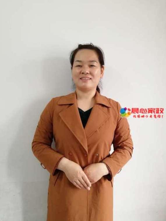 上海专业保姆,石阿姨