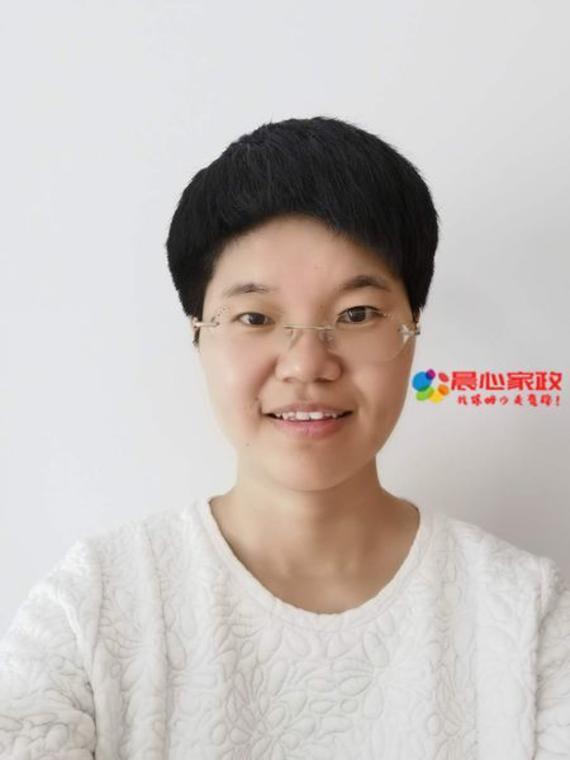 上海高端育婴师,吕阿姨